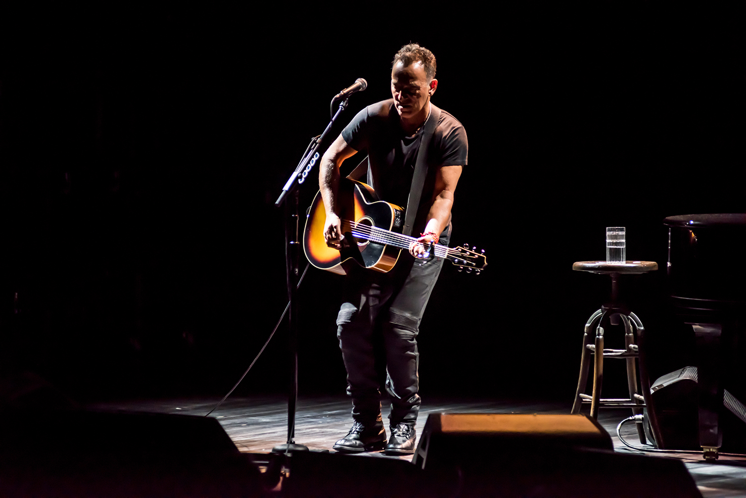 Springsteen on Broadway, Bruce íntimo