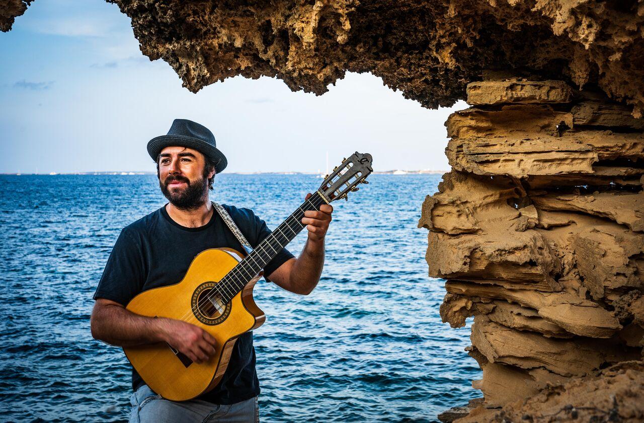 """Jah Chango: """"Cuando escribo canciones intento reflejar algo que he vivido en mi vida"""""""