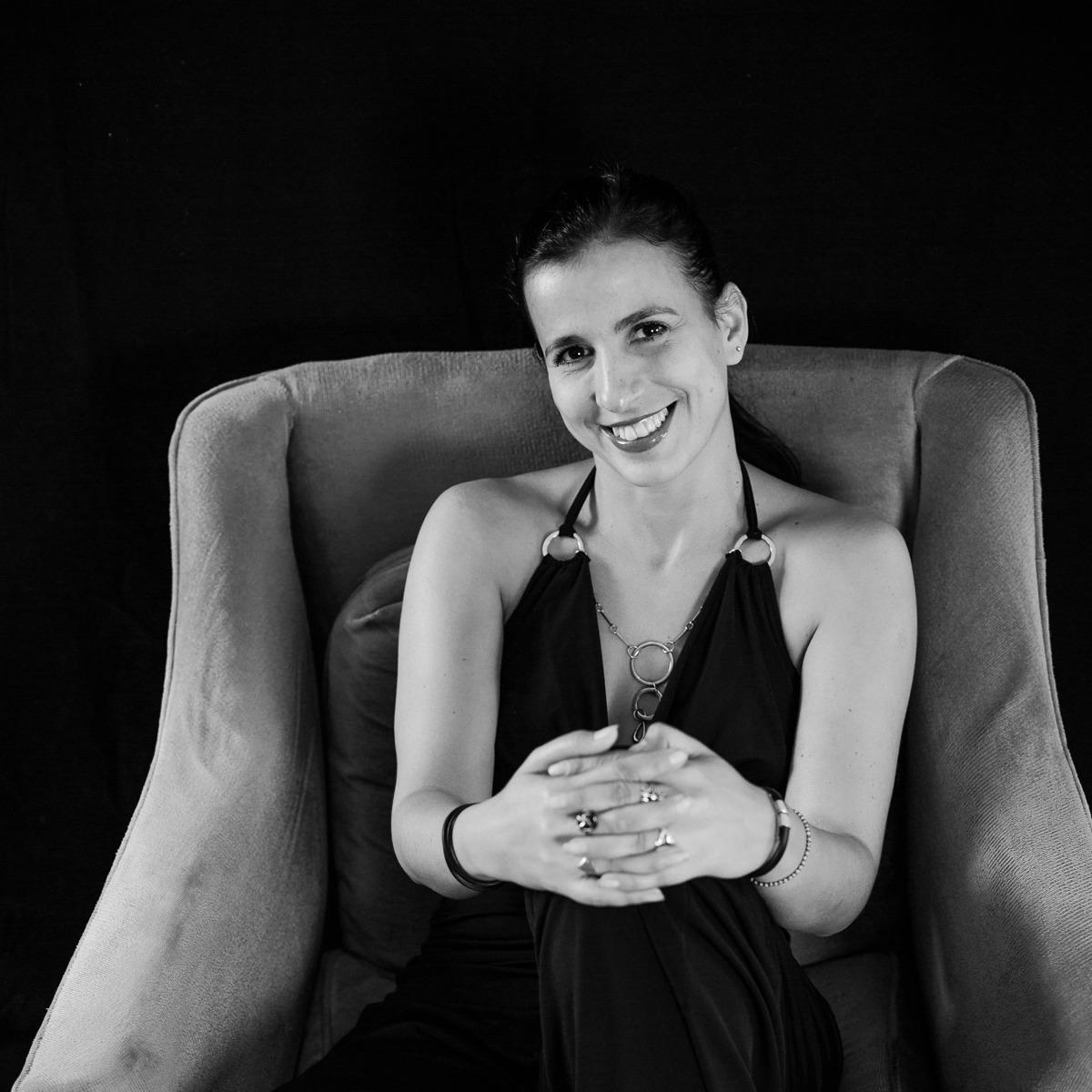 Gabriela Guerra Rey presenta 'Luz en la piel, cinco voces de mujer'