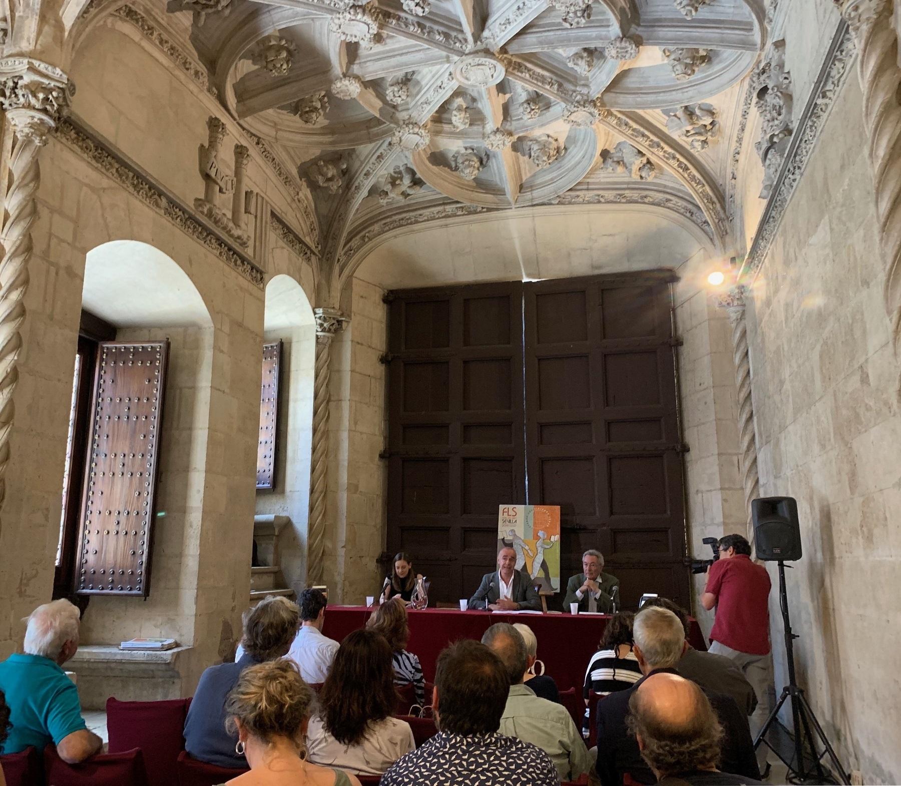 Victoria León recoge el IX Premio Iberoamericano de Poesía Hermanos Machado