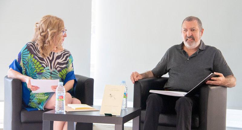 Francisco José Cruz aviva emociones con 'Un vago escalofrío'