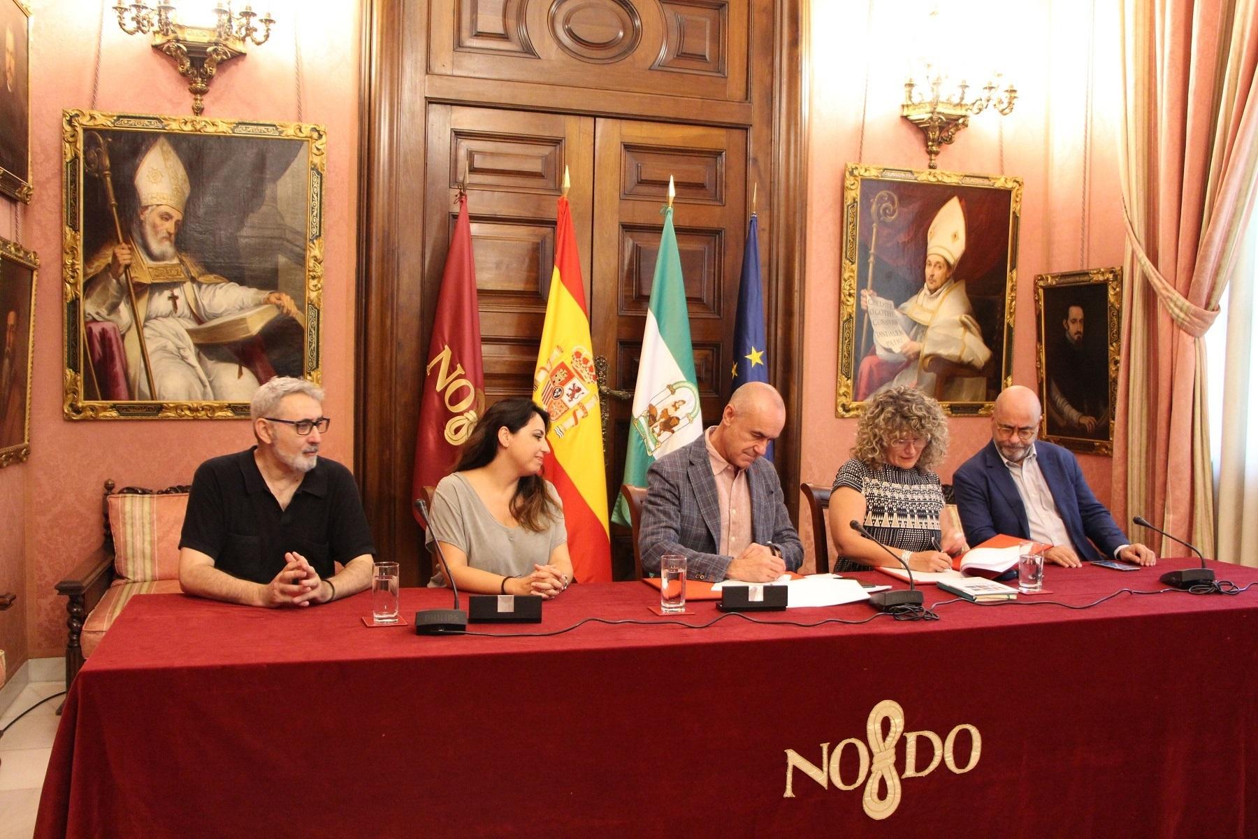 El Ayuntamiento de Sevilla, tras llegar a un acuerdo con Asecan y Andalucía Film Commission, ha creado en el recinto de Fibes, el centro del cine andaluz.