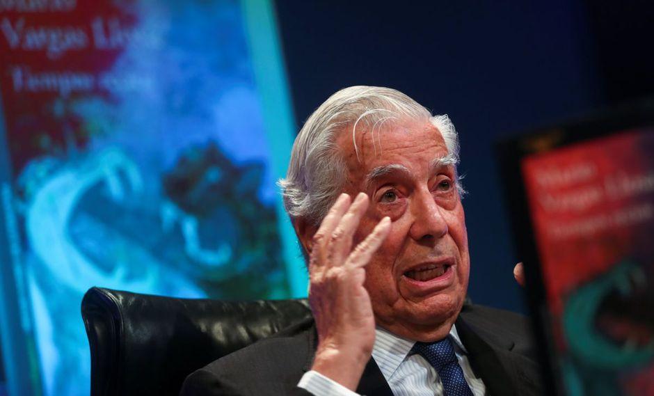 Mario Vargas Llosa revive la Guerra Fría en Latinoamérica con 'Tiempos recios'