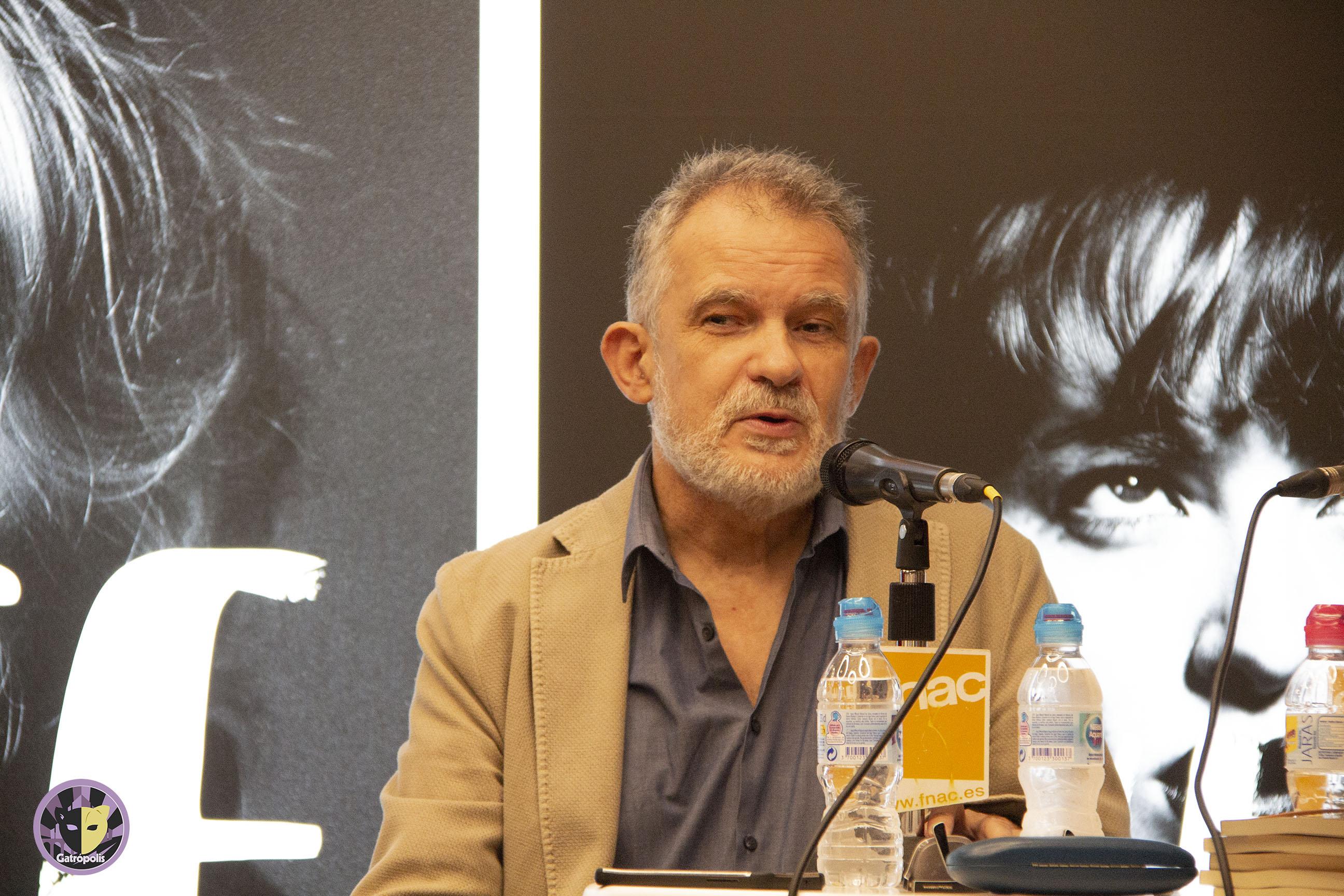Pedro Touceda se estrena en la novela con 'Los elefantes andan descalzos y no usan paraguas'