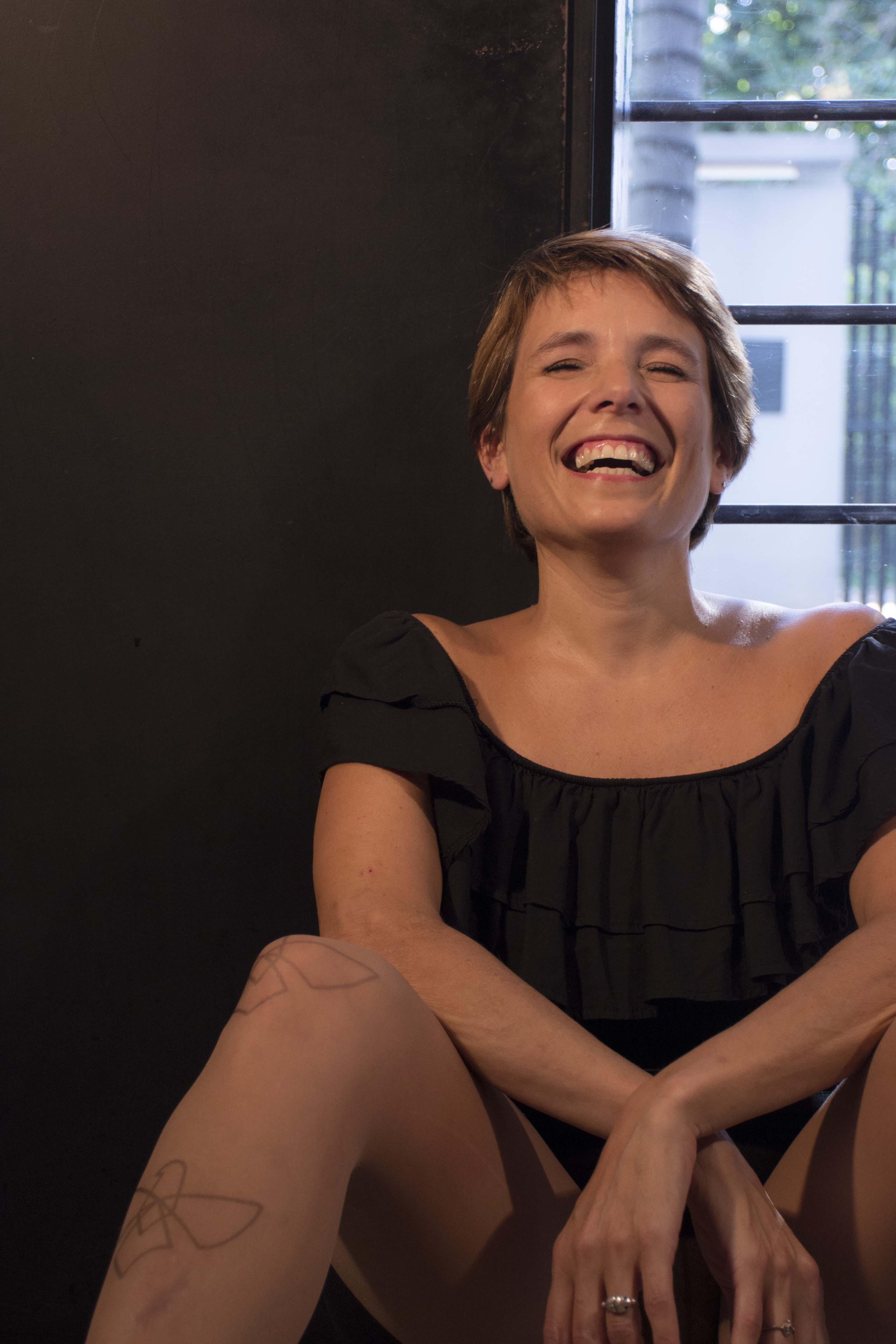 Llega a España Estrógenos, una novela futurista sobre la regresión reproductiva