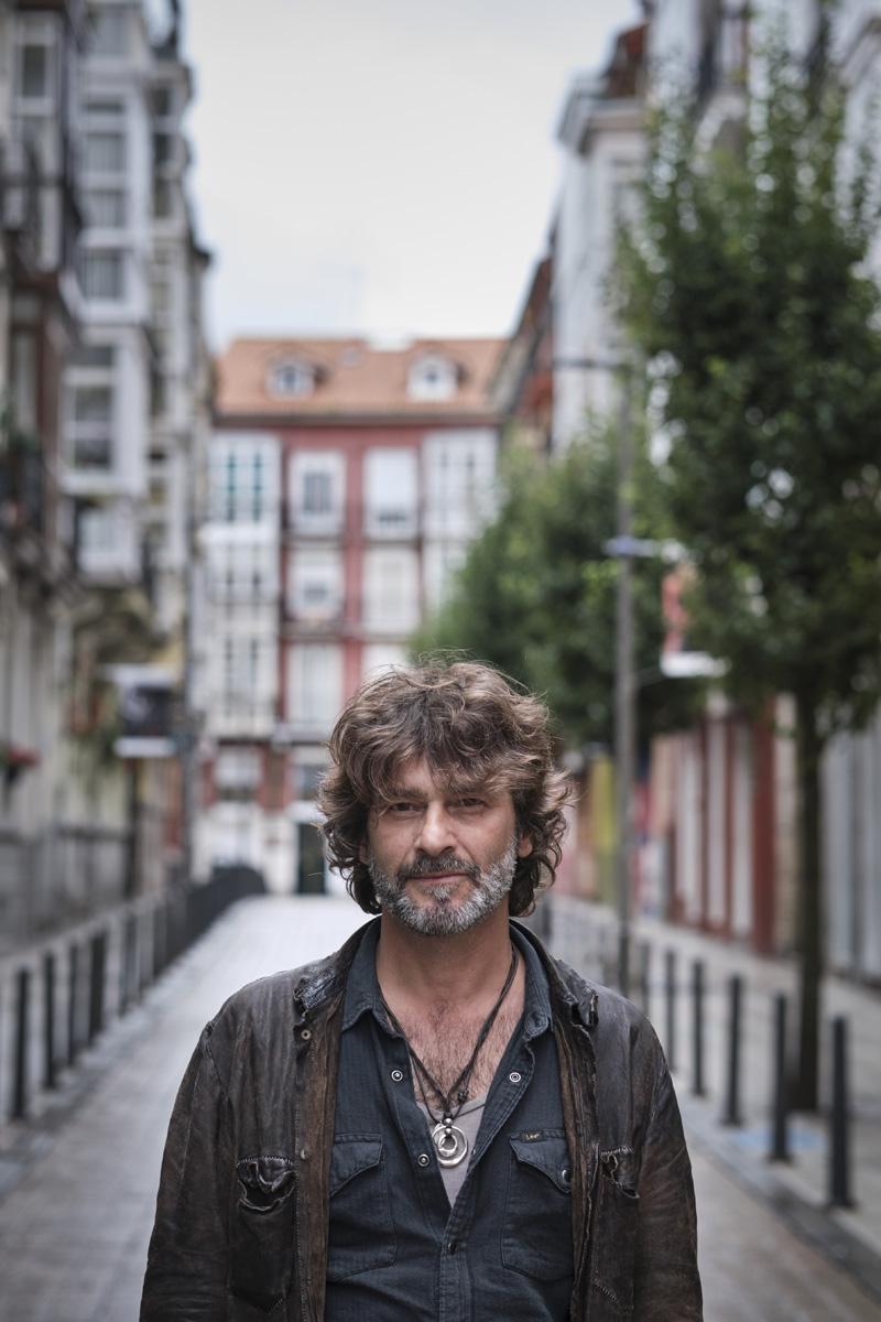 Quique González llega a Sevilla con 'Las palabras vividas'
