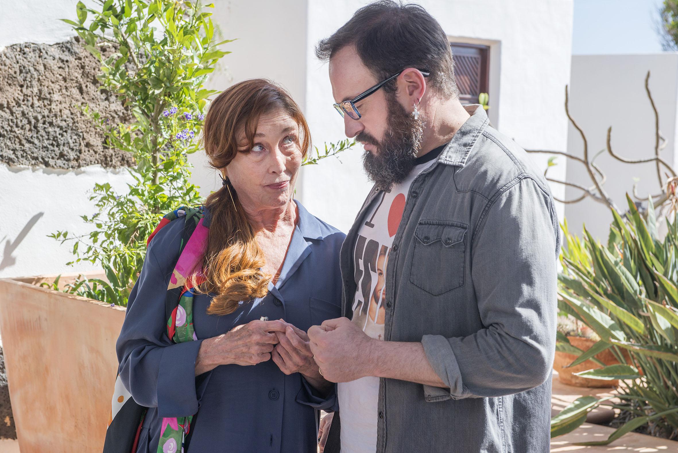 Salir del ropero aplaza su estreno en cines al 10 de abril