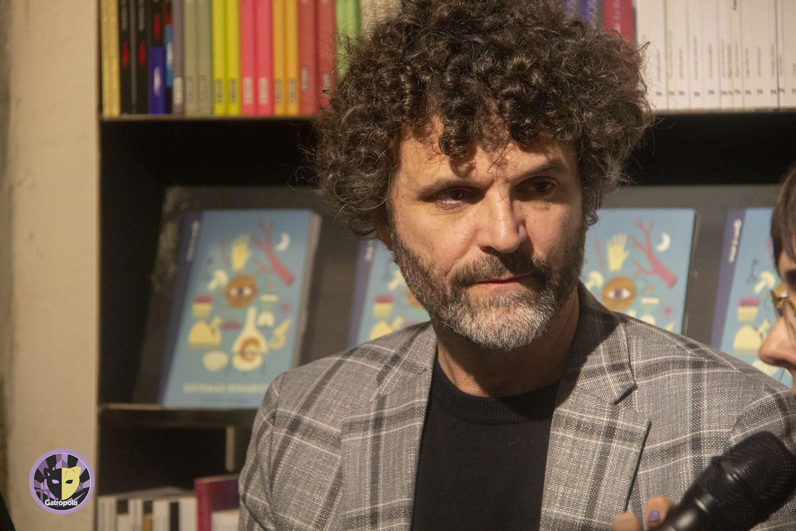 Miguel Rivera se estrena como escritor con 'Sistemas binarios'