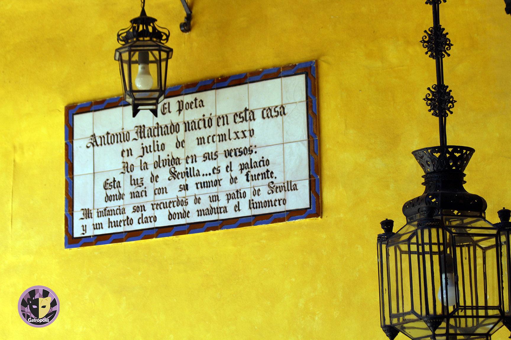 El Ayuntamiento celebra el Día del Libro reproduciendo fragmentos de obras ambientadas en Sevilla